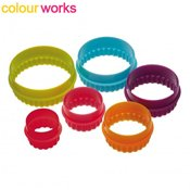 D�coupoirs gigognes ronds cannel�s Colourworks x6