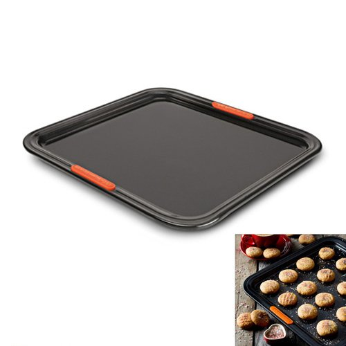 plaque p tisserie p tiliss 31 cm le creuset kookit. Black Bedroom Furniture Sets. Home Design Ideas